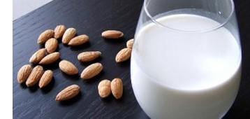 Ricetta del latte di mandorla
